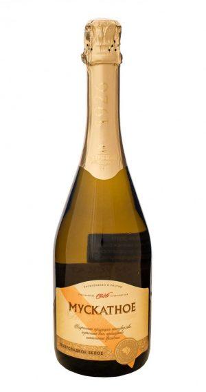 1 3 e1605264634425 300x569 - Вино Игристое «Мускатное»