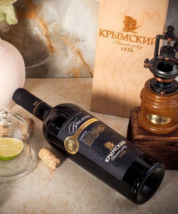 4 наименования Крсного и Белого вина ЗГУ – это подтверждение высокого качества нашей продукции и гарантия, что вино на 100% производится из винограда, произрастающего в нашем Крымском районе, винодельческом регионе «Кубань.Крымск»