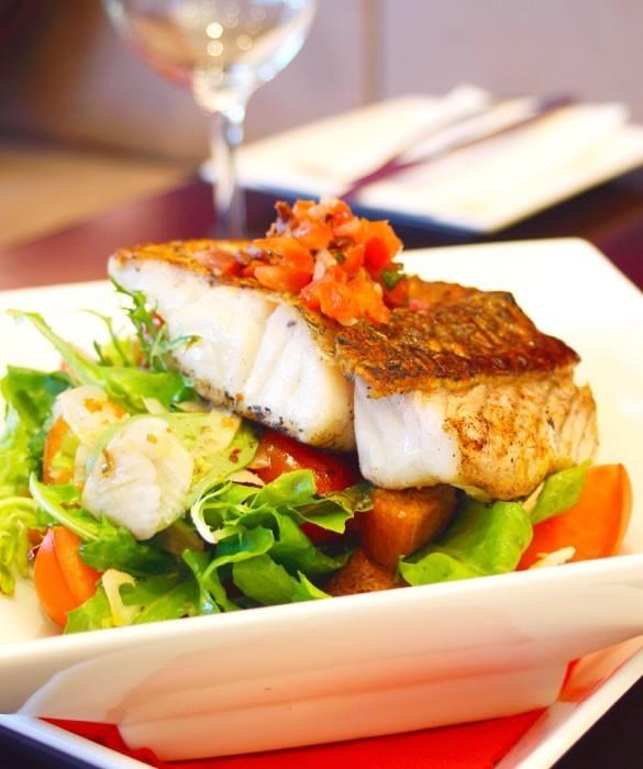 Мускатное белое вино с рыбой
