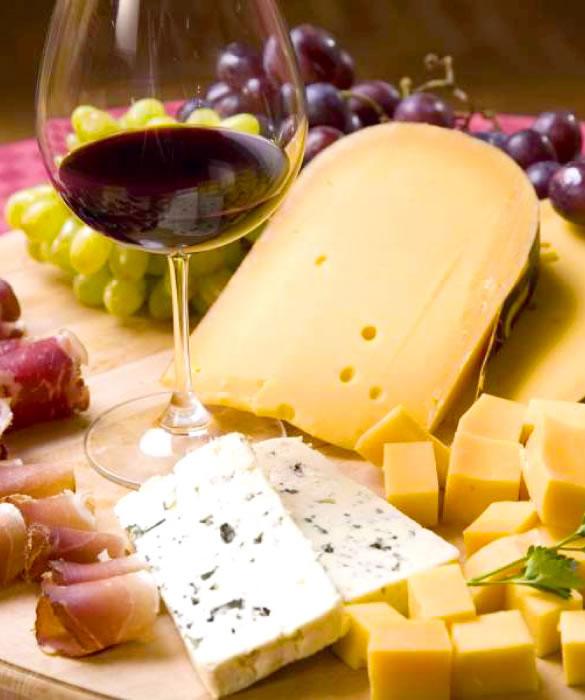 red wine with hard cheeses - Изабелла Красное Полусладкое